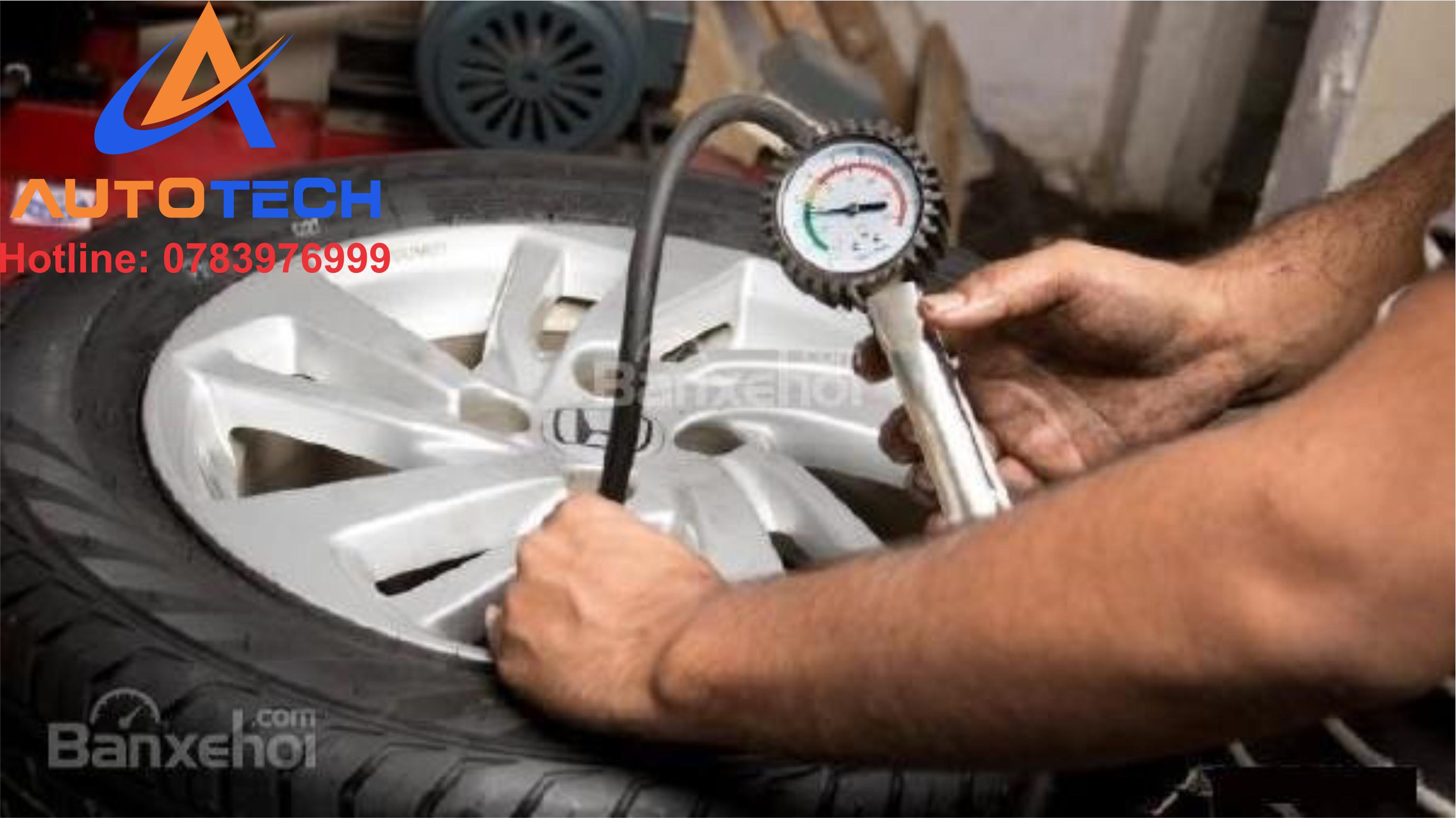 Đảm bảo áp suất lốp cho xe.